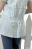 青春水漾中腰格紋綁帶襯衫開襟領長版棉質上衣 2